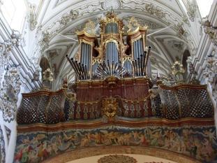 Barroco en la iglesia de los Descalzos, Écija